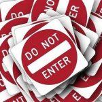 「頻繁に4ウィルスによって破損」をたどると「偽のサイトにアクセスしようとしています」に遭遇